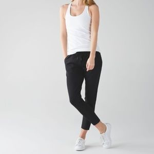 Lululemon Jet Crop (Slim) *Luxtreme in Black
